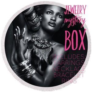 Jewelry - 💝 MYSTERY JEWELRY BOX !!! 💝